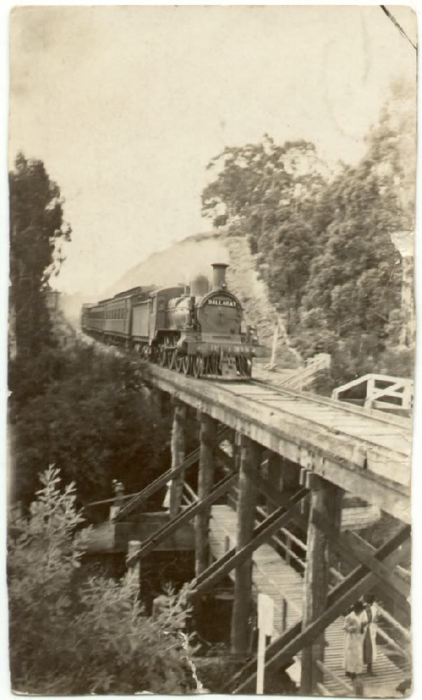 Ballarat Train Crossing Jubilee Lake Bridge