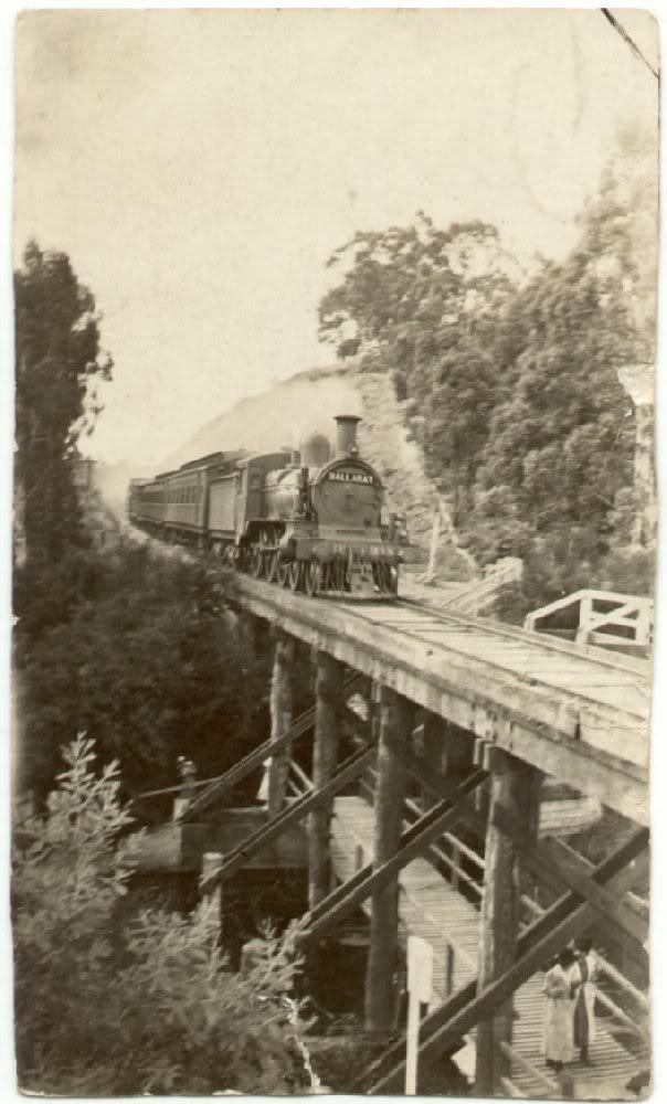 Ballarat Train Crossing Jubilee Lake Bridge